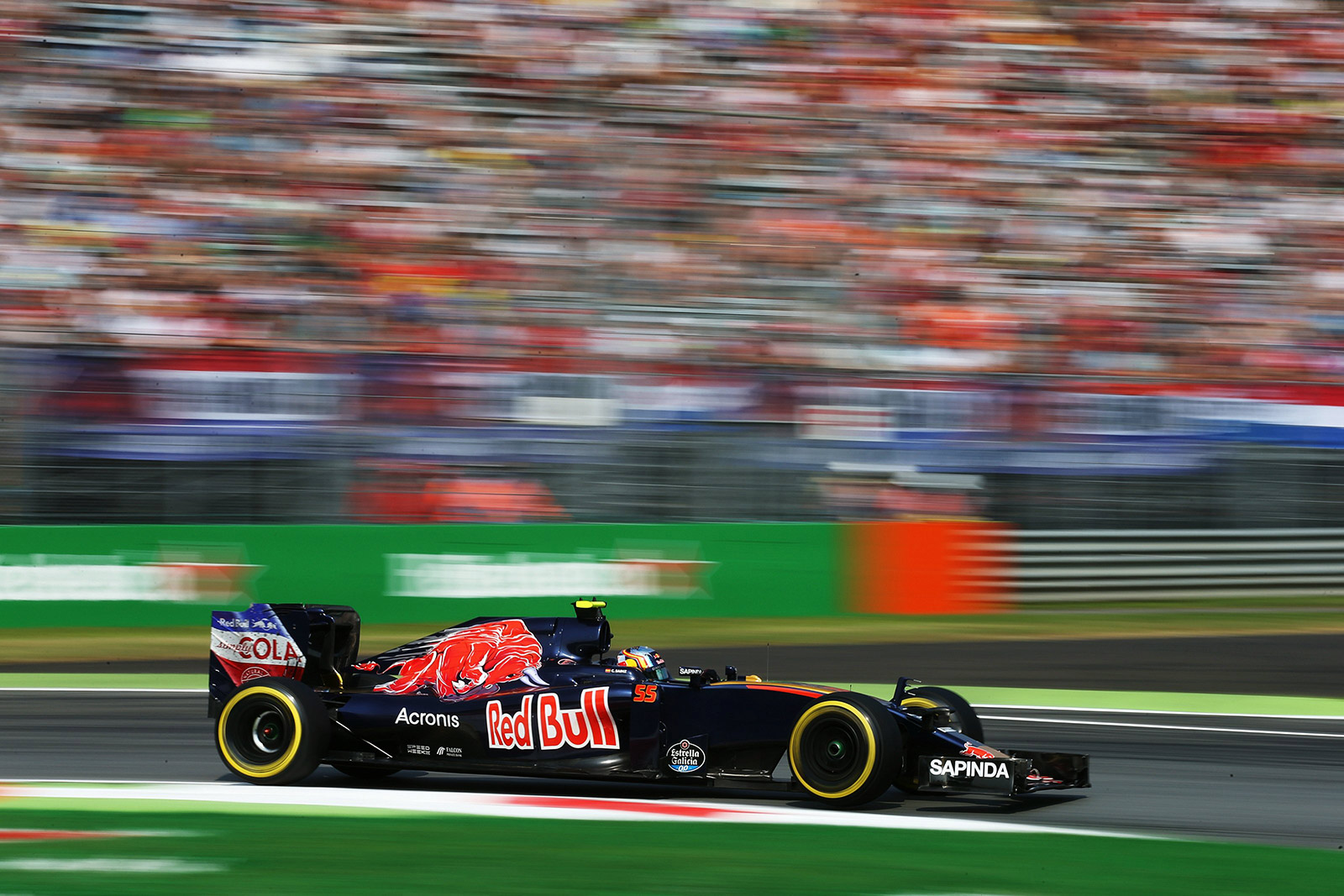 Carlos Sainz Jr. driving the Scuderia Toro Rosso STR11 during practice at the Italian Grand Prix at Autodromo on September 2, 2016. (Getty Images / Red Bull content Pool)
