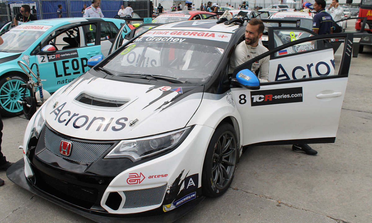 Mikhail Grachev and his Honda Civic Type-R TCR