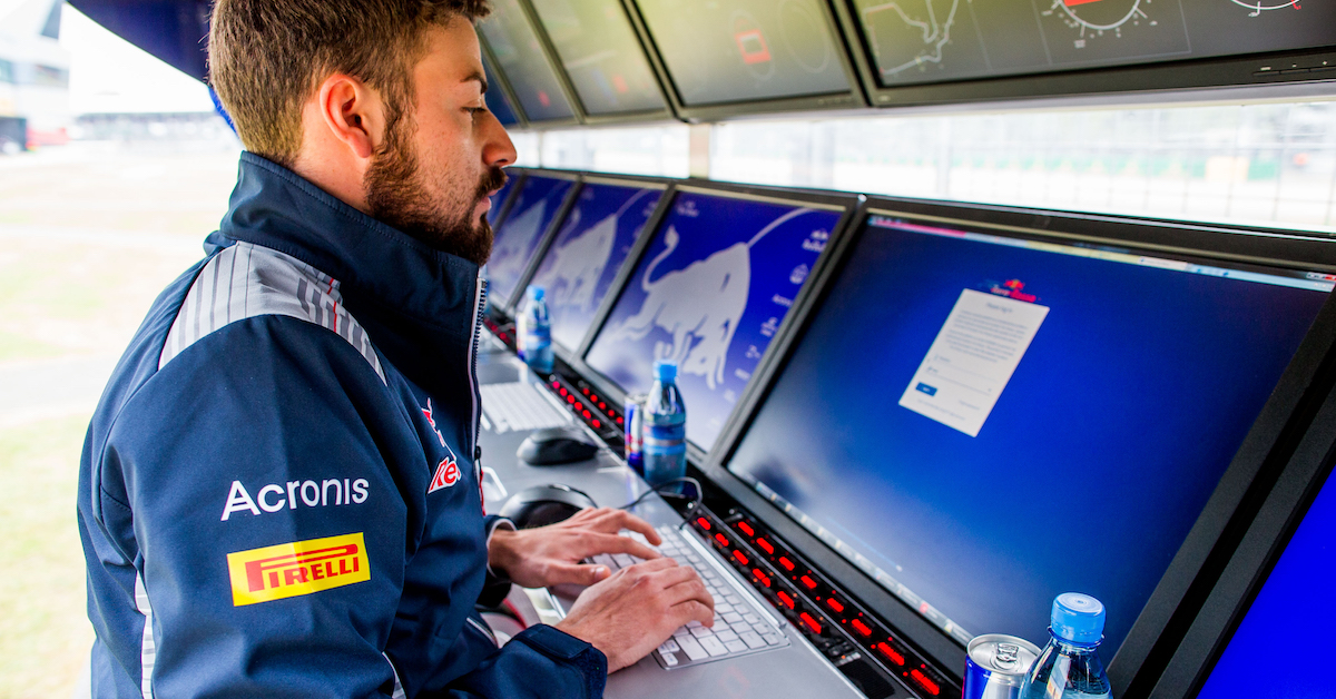 Scuderia Toro Rosso trackside engineer
